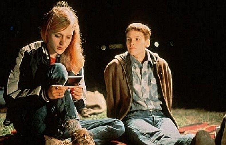 Cigarettes&Magazines.: Boys don't cry, movie.