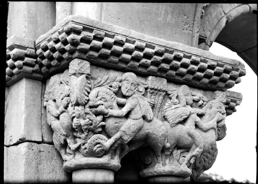 Capitel Sansón desquijarando al León