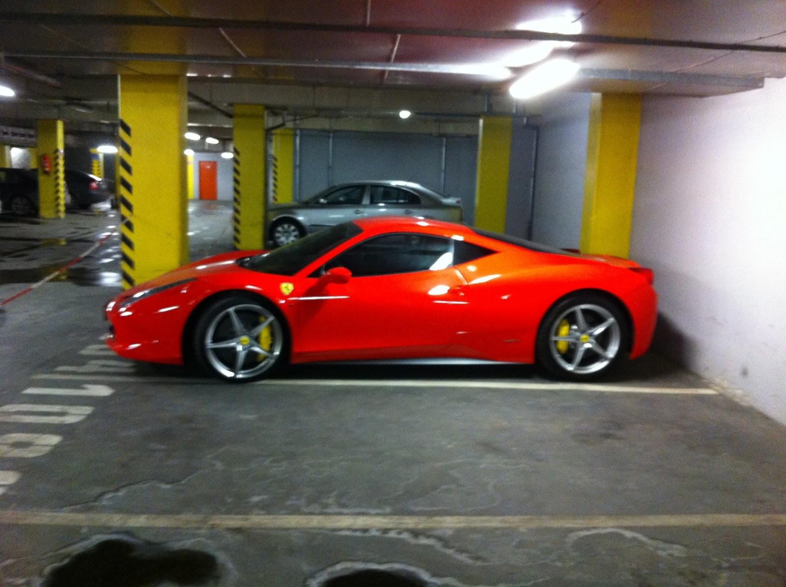 Ferrari garage mobile wallpapers for Garage ferrari charnecles