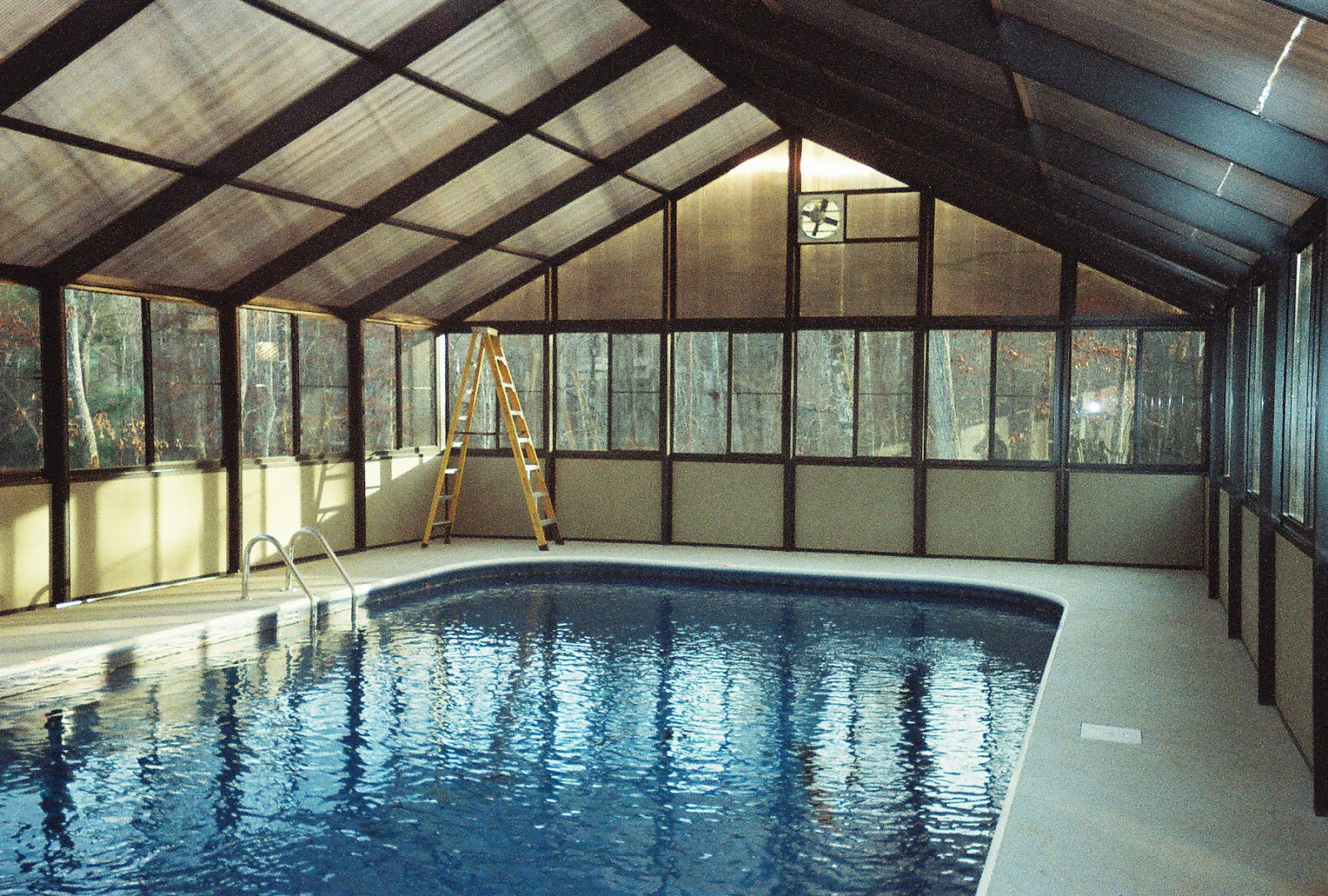 Pool enclosures usa estimating pool enclosure costs for Enclosed pools