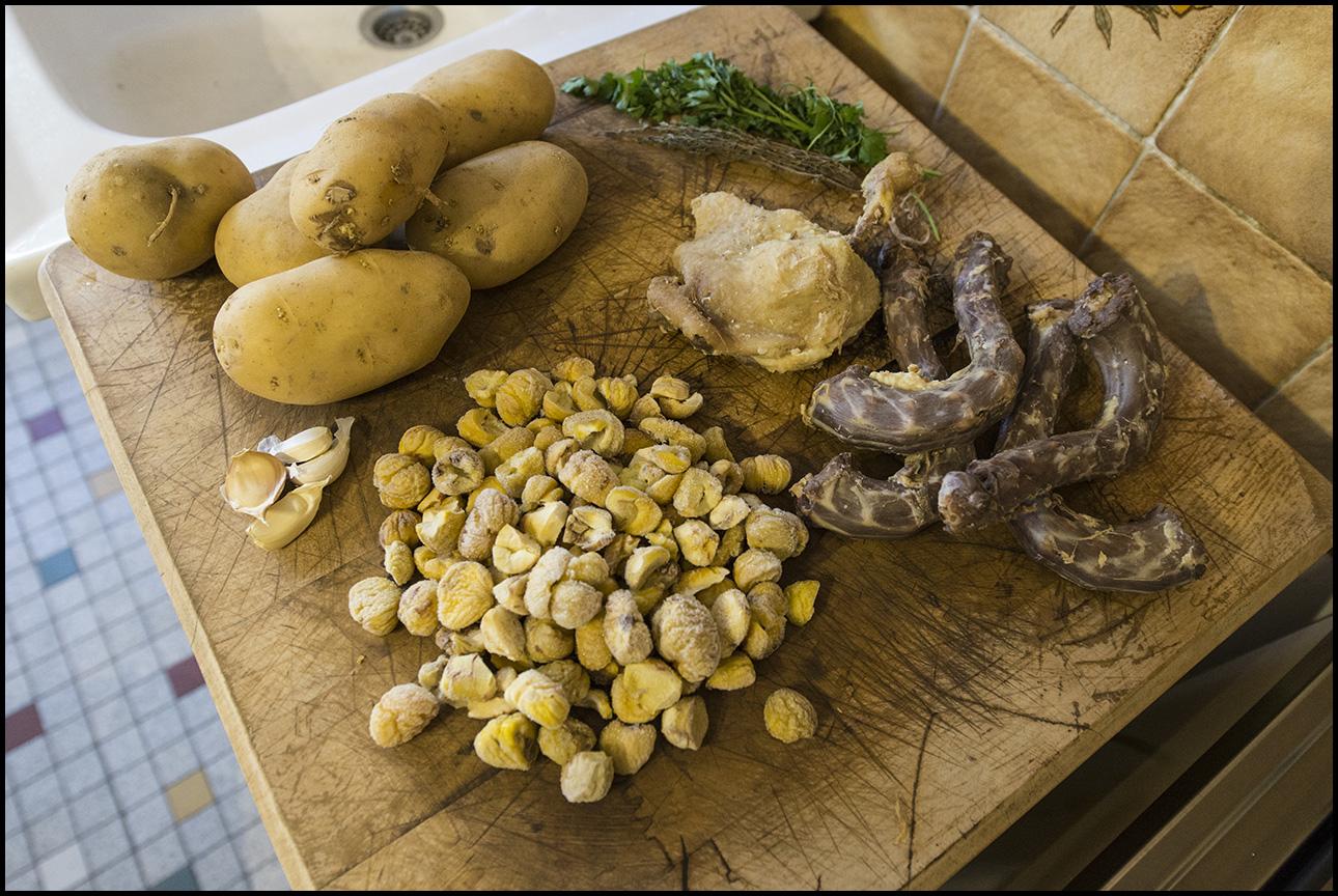 Cuisine de caract re parmentier de canard confit la - Cuisiner chataignes fraiches ...