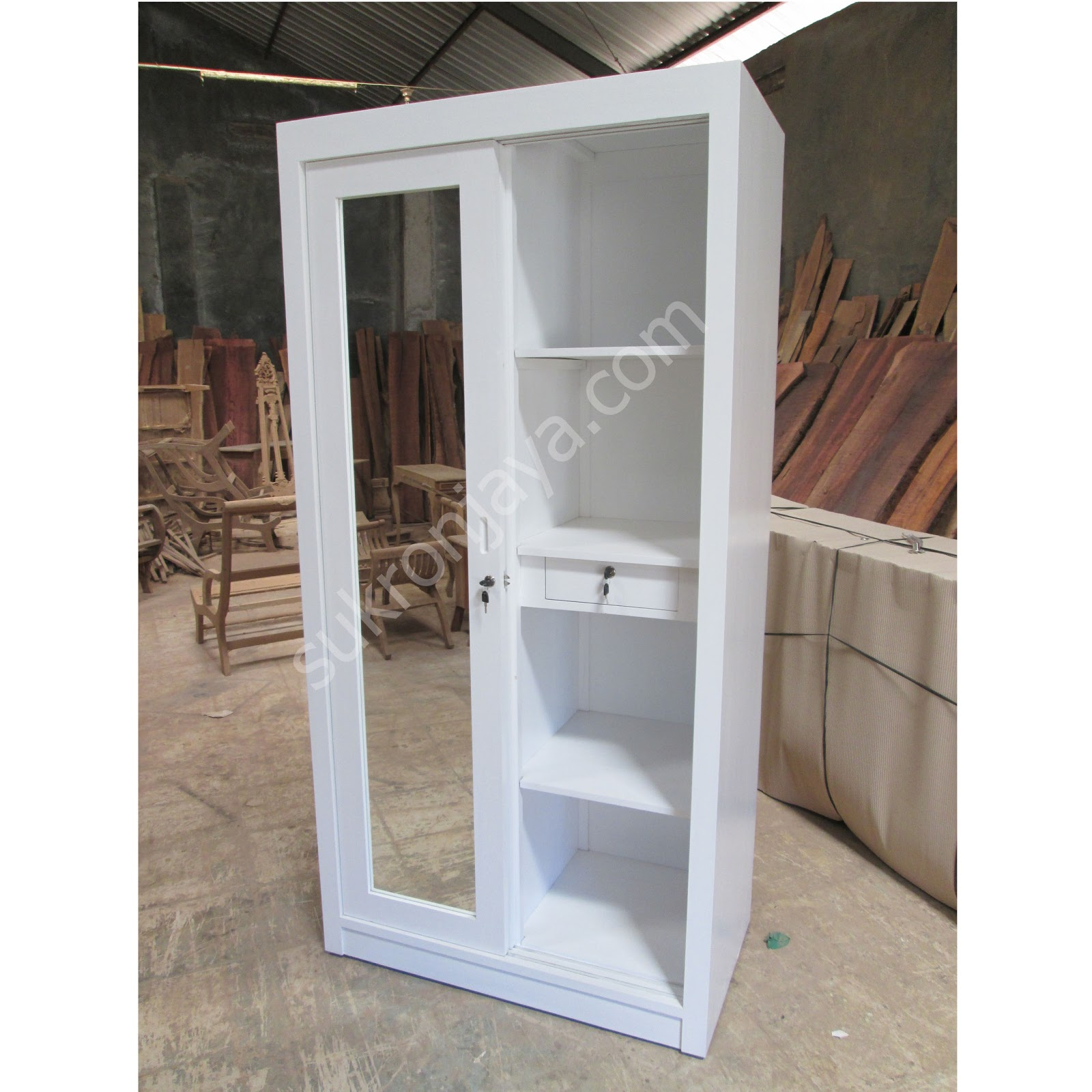 lemari pakaian minimalis pintu cermin