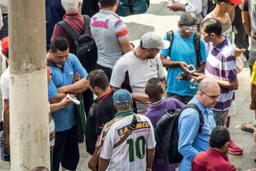 SP bate recorde de roubos, com 896 casos por dia; 63% de celulares