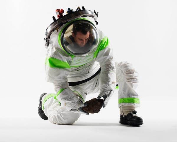 Yuk! Liat Baju Astronot Baru Buatan NASA - Page3 | KASKUS