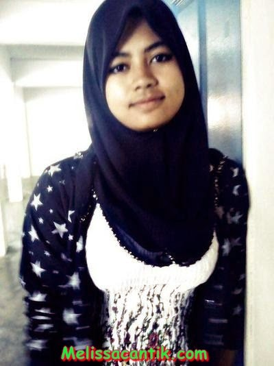 Gambar Gadis Melayu Cantik Berhijab Telanjang Dada (Hot)