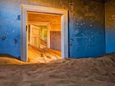 Casa abandonada en el desierto de Namibia