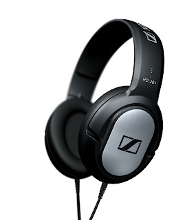 Sennheiser launches Rakshabandhan offer, get HD 201 over ear headphones worth Rs. 1990 free on buying headphones above Rs. 5000