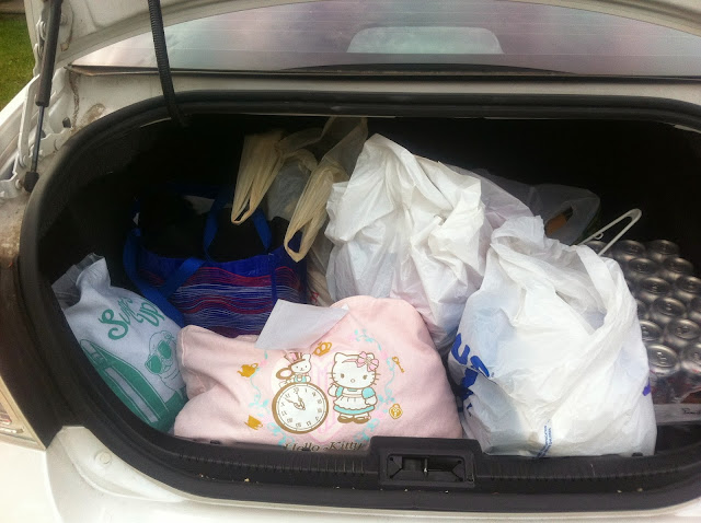 open trunk, traveling, tote bags, Hello Kitty, Modcloth exclusvie tote bag, diet Coke 24 pack, garbage bags