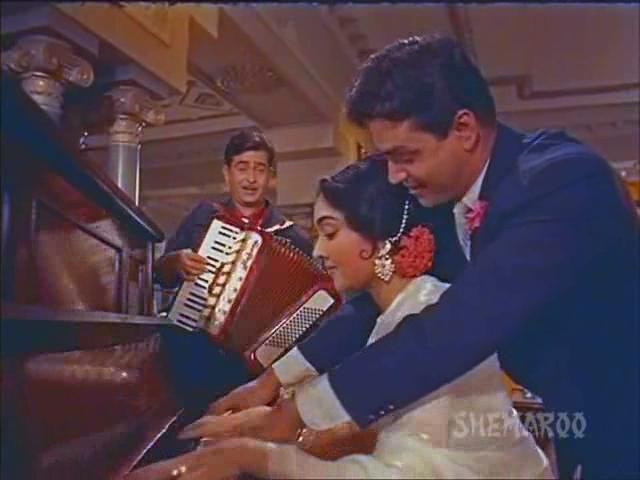 http://1.bp.blogspot.com/-0Z3HYfUdjLQ/UL-44ImE8eI/AAAAAAAACAA/52h1PoeZ7YU/s1600/Sangam+1964+DvDrip+~+Musical++Romance+~+%5BRdY%5D.avi_001333360.jpg