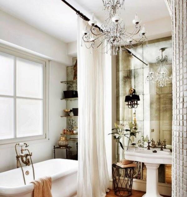 wunderkammer inspiration ein kronleuchter im badezimmer. Black Bedroom Furniture Sets. Home Design Ideas