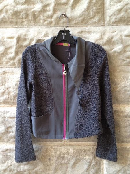 Boucle cropped jacket with zipper.  French