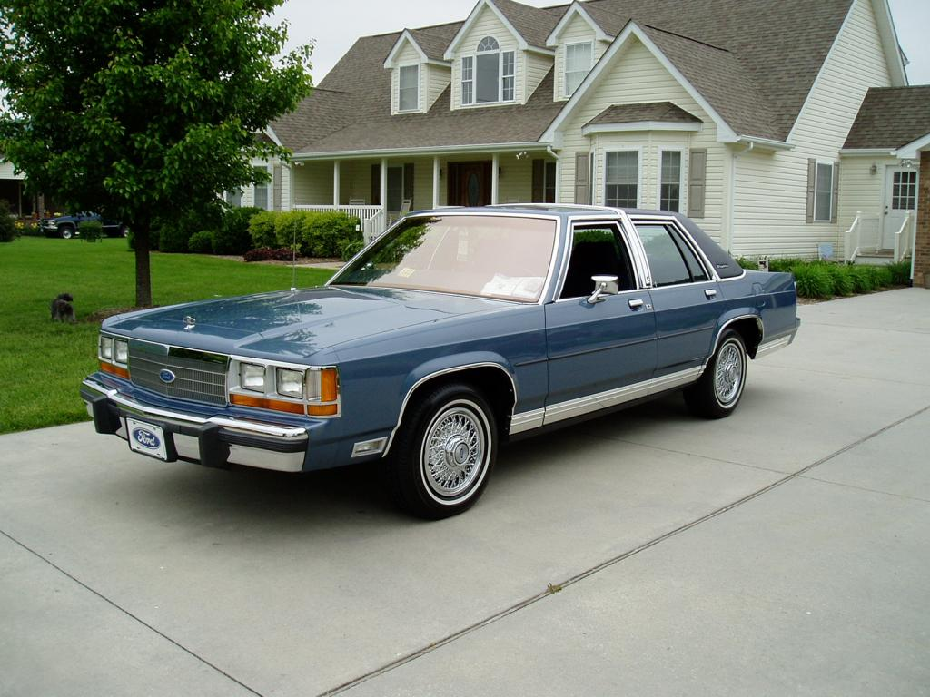 Try Depends  Ford Ltd Crown Victoria Minty Clean