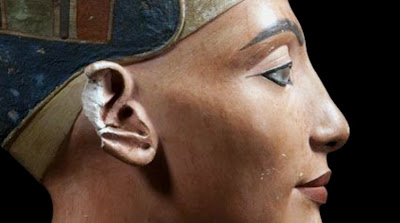 In the Light of Amarna: 100 Years of the Nefertiti Discovery at the Neues Museum