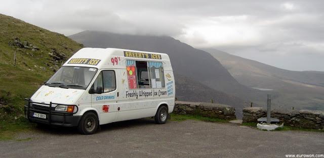 Furgoneta que vende helados en el Conor Pass