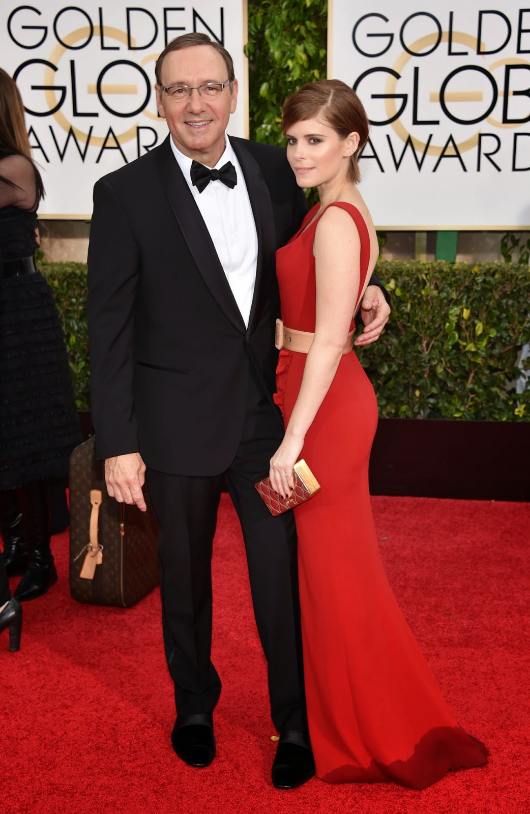 Kate Mara sizzles in a Miu Miu dress at the 2015 Golden Globes