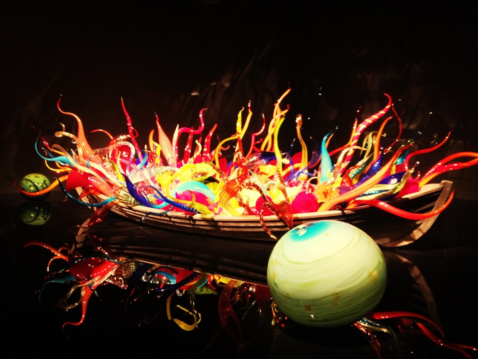 Chihuly Montreal Museum Fine Arts musee des beaux arts blown glass exhibit