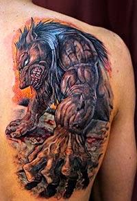 Foto de tatuagem de lobisomem