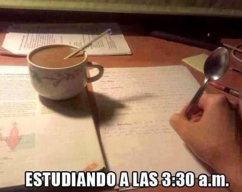 Estudiando de madrugada
