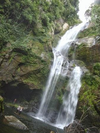 Air Terjun Tiga Tingkat : tempat wisata alam di padang yang indah