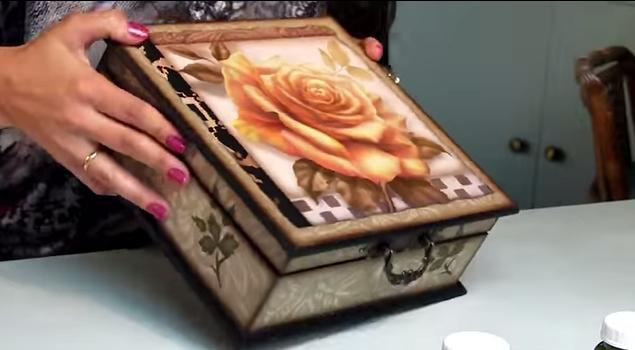 Caixa de madeira decorada passo a passo