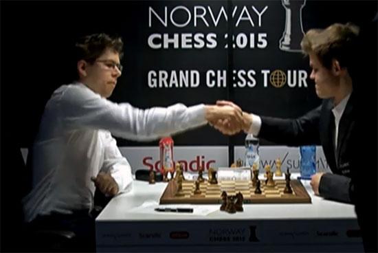Comment le champion du monde d'échecs Magnus Carlsen a-t-il pu jouer aussi mal hier contre son compatriote Jon Ludwig Hammer? - Photo © site officiel