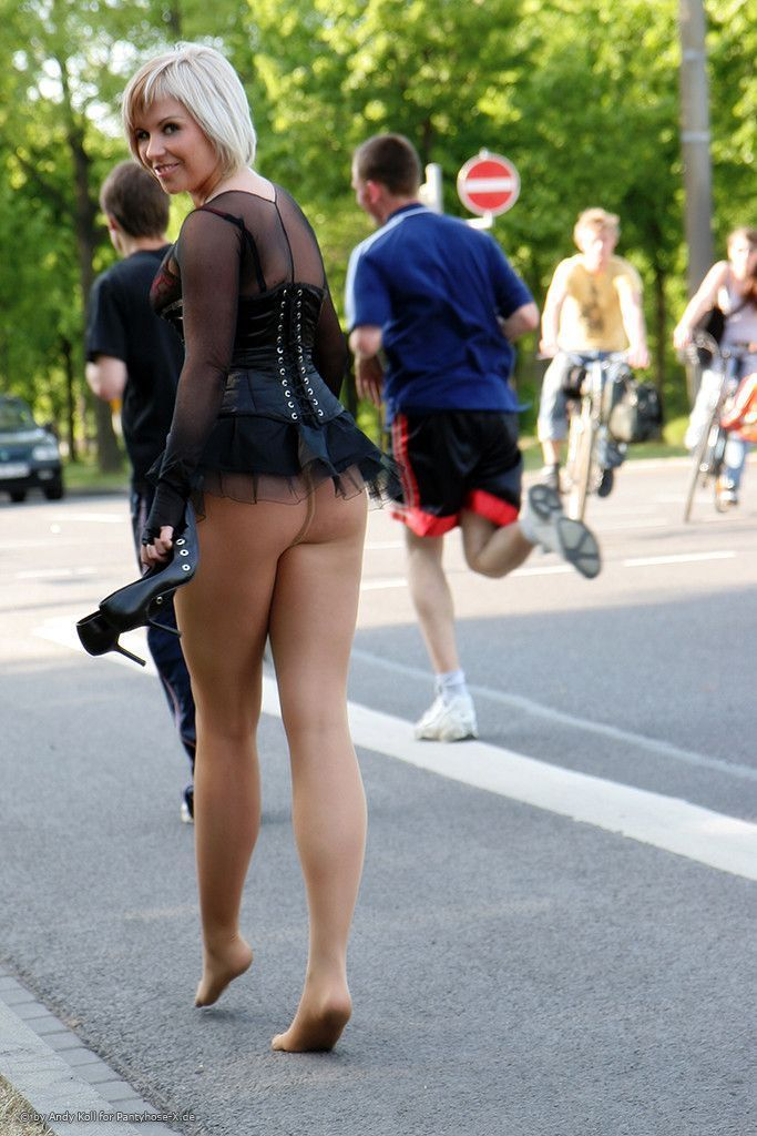 Women on public wearing pantyhose they meet