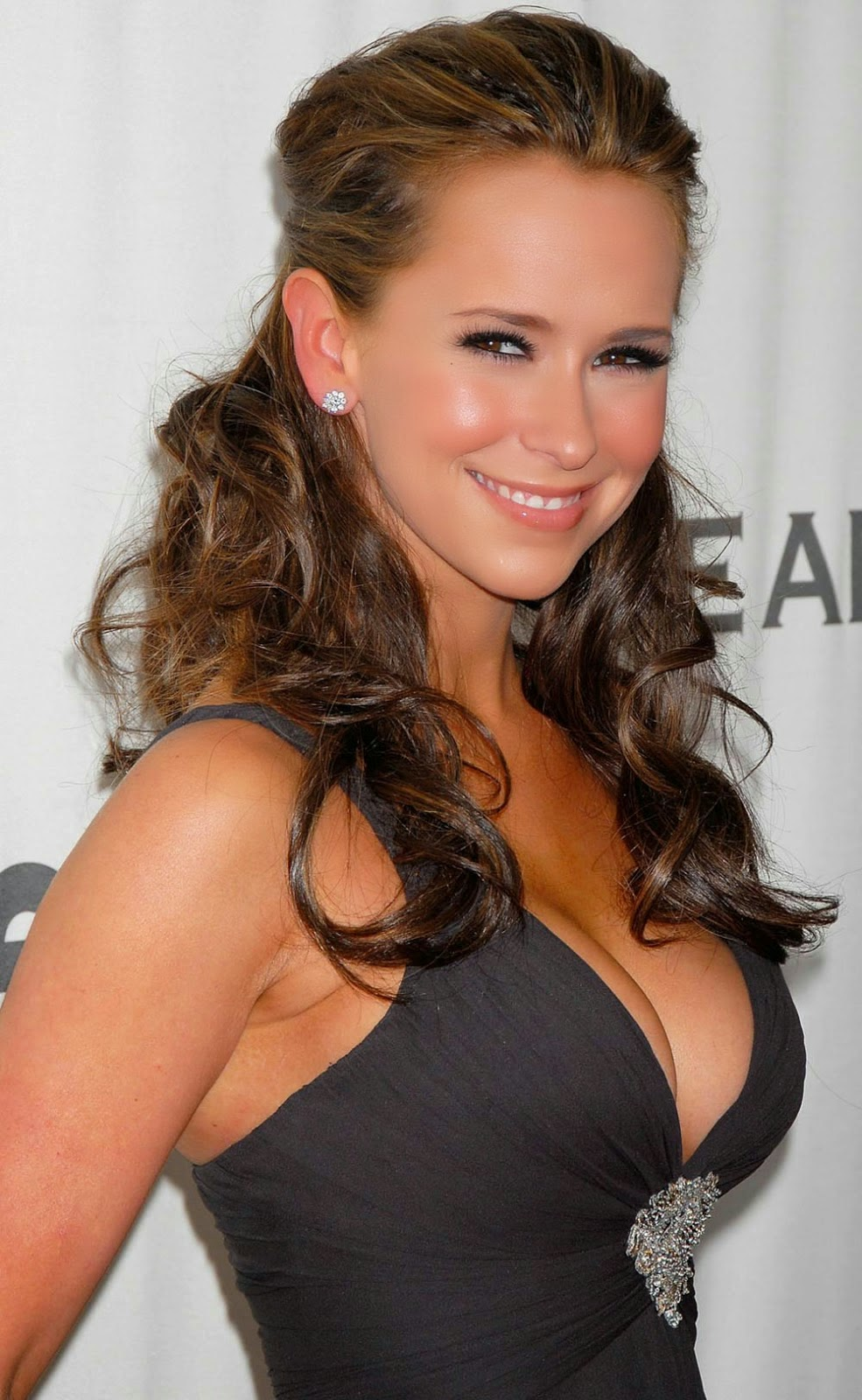 HD WALLPAPERS FREE DOWNLOAD: Jennifer Love Hewitt HD Wallpapers Free Download