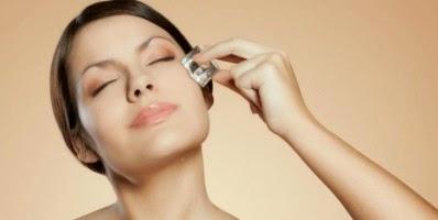 Es Batu Untuk Mengecilkan Pori pori wajah