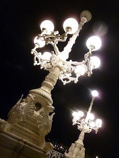 Promenade nocturne le long de la Plage de la Concha St Sébastien