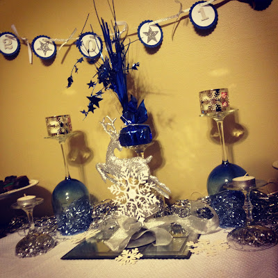 new years eve table setting blue silver sparkle