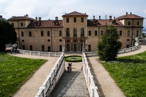 Immagine: vista villa giardini interni