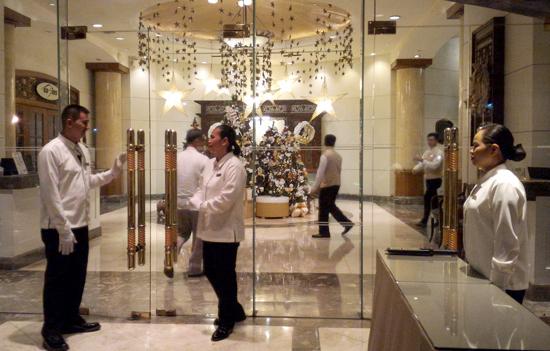 The Marco Polo Hotel Davao Lobby, Christmas 2015