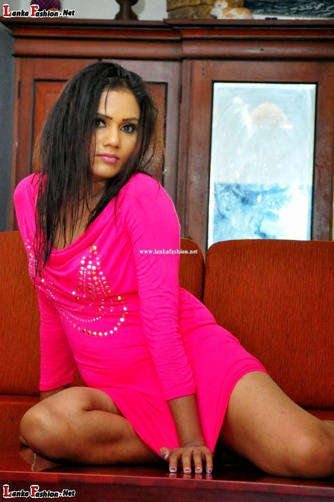 Sahni rajapaksha legs show