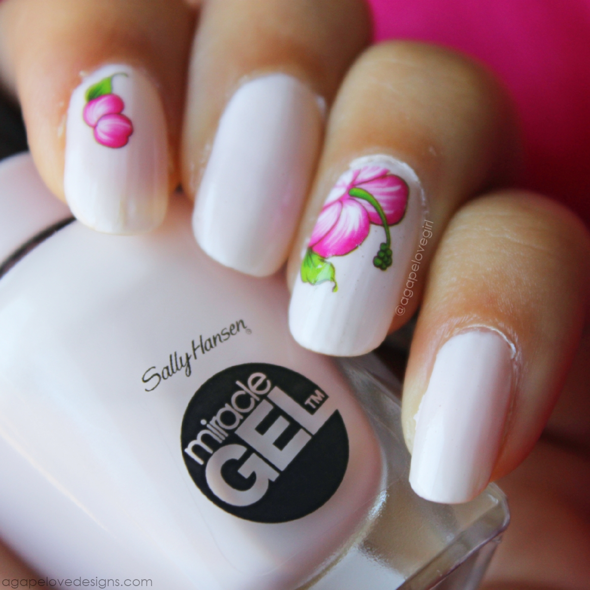 Agape Love Designs: Floral Mani | Sally Hansen Miracle Gel Polish Review