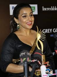 Vidya-Balan-hot-IIFA-Awards-7