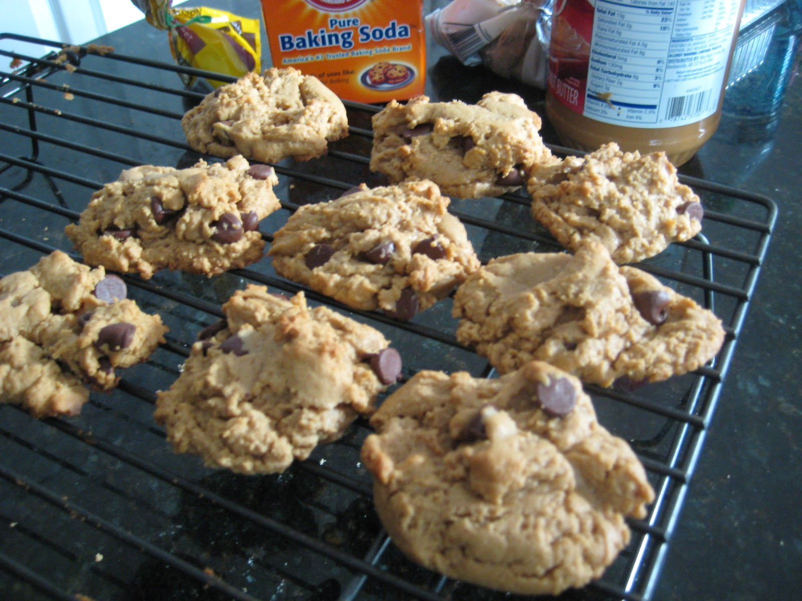 5 Ingredient Peanut Butter Chocolate Chip Cookies Recipe ...