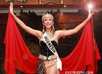 Nadine Alexandra Dewi Berangkat Ke Ajang Miss Universe 2011