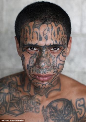 Conheça a prisão mais perigosa do mundo onde nem mesmo os guardas têm coragem de entrar (ver matéria)