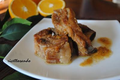 Costine caramellate con renette e arancia ricetta di spuntature di maiale