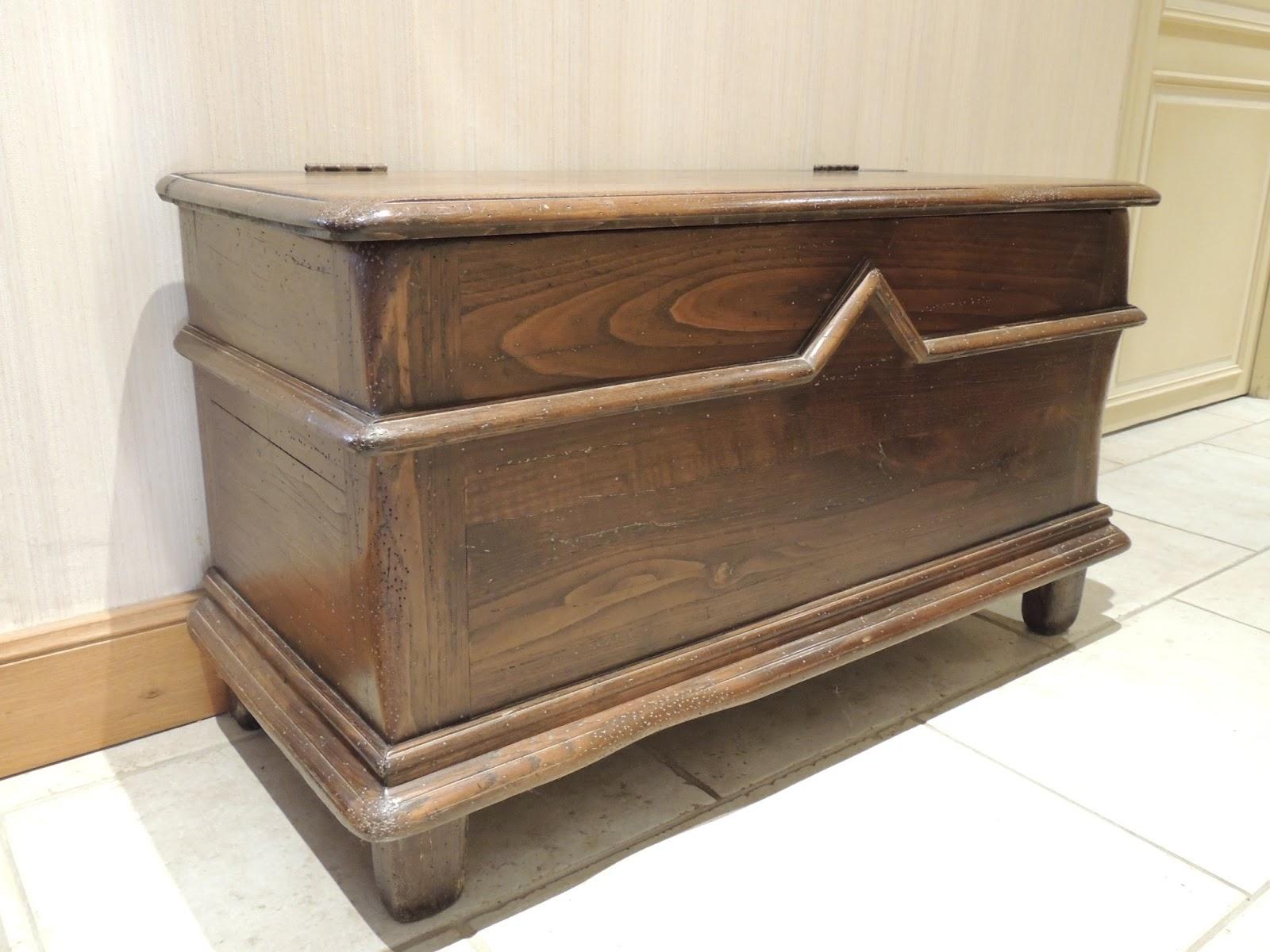 L 39 atelier d 39 emmanuelle revalorisation de deux meubles en for Decapage meuble chene
