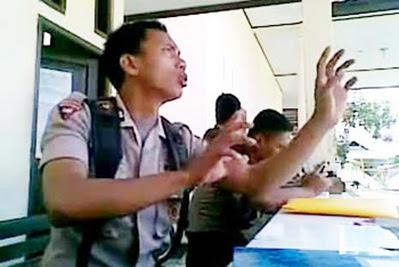 Norman Kamaru Mundur dari Brimob Gorontalo