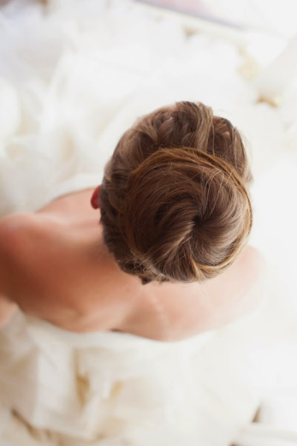 top knot wedding hair