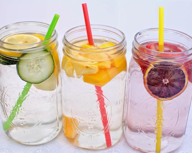 Banyak Mengkonsumsi Air Putih sebagai Cara Pola Hidup Sehat
