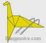 Bước 19: Mở hai lớp giấy ra, gấp lộn ngược hai lớp giấy xuống phía dưới.