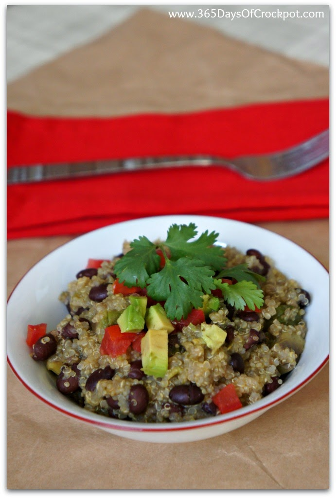 crockpot recipe for quinoa with avocado, black beans and salsa verde #summerslowcookersuppers #crockpotdinner #meatlessmonday