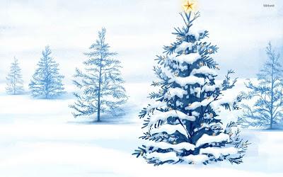 Un arbol de navidad cubierto por la nieve