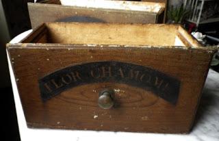 antichi cassetti francesi da farmacia