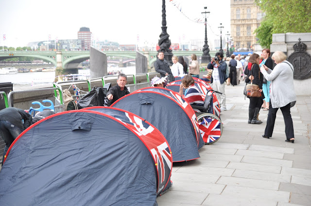 Queen+Jubilee+Thames+Pageant+camping+overnight