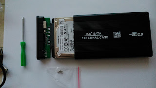 How to plug a SATA HD into an external case