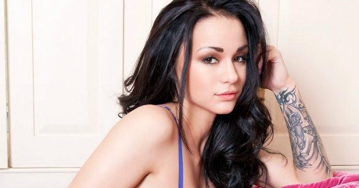 Mica Martinez Nude Photos 31